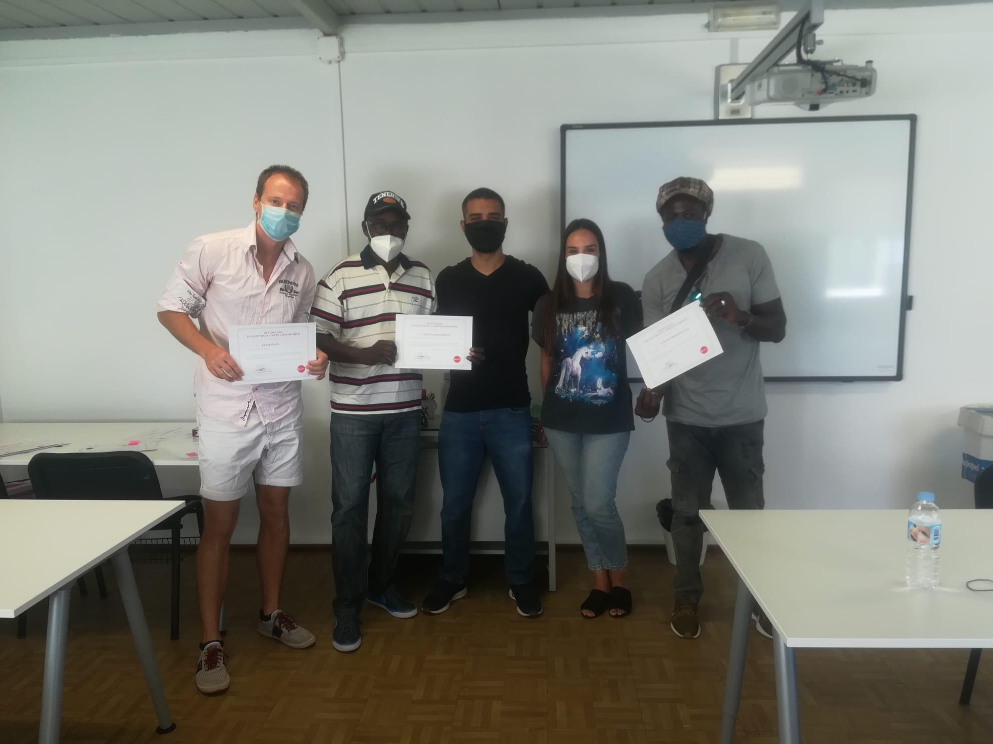 Los participantes de las clases de español del Proyecto Tarquí + finalizan el curso
