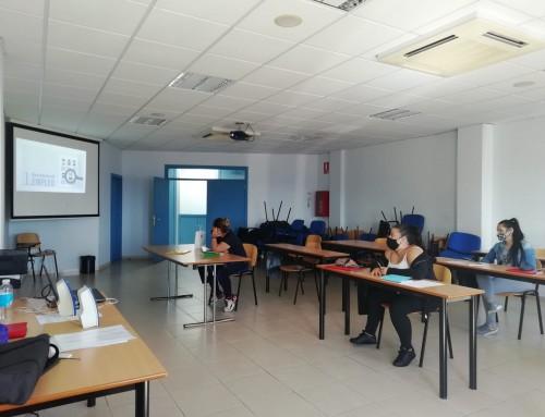 En Ataretaco comenzó el Curso de Operaria de Limpieza